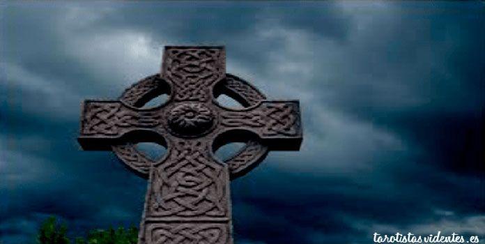 Tirada Cartas Cruz Celta